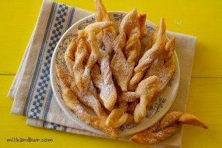 Khvorost-Russian sweets