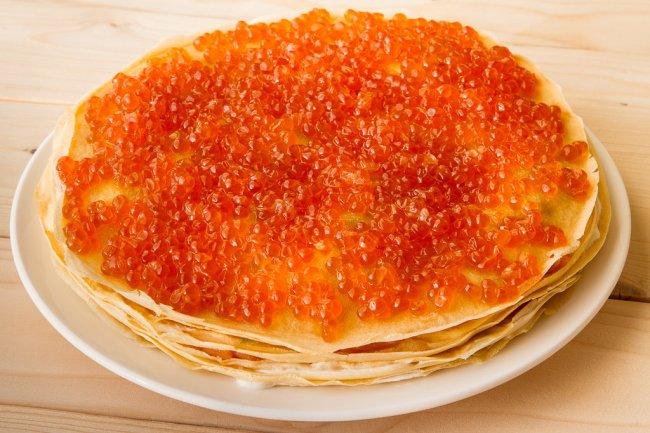 Pancake_pie_caviar-1