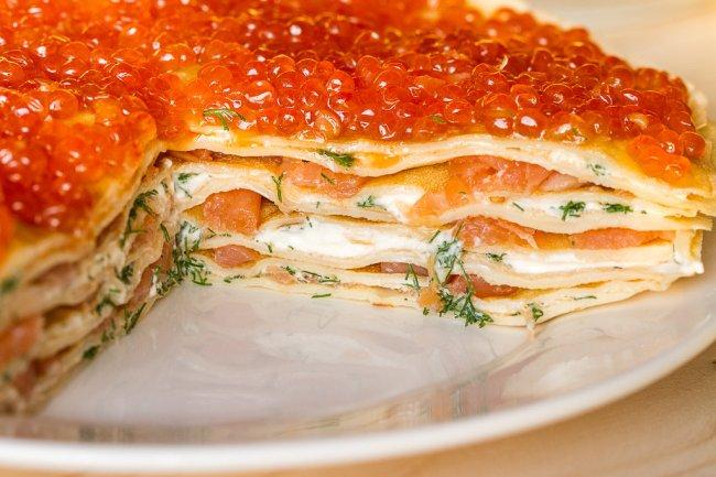 Pancake_pie_caviar-2