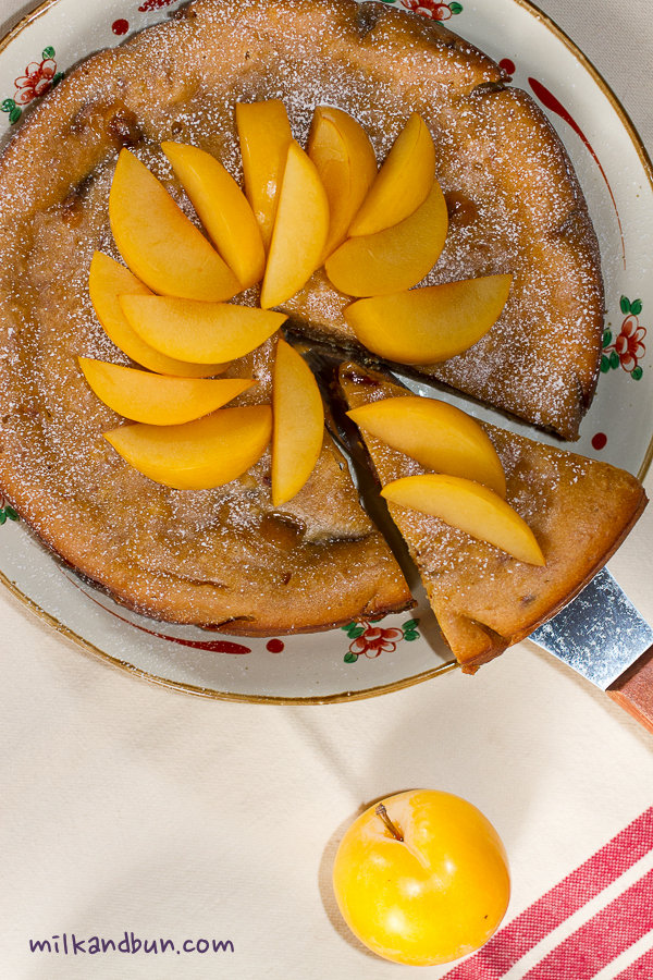 Jam Cake with plums