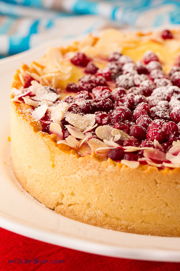 Cottage cheese and cranberry pie