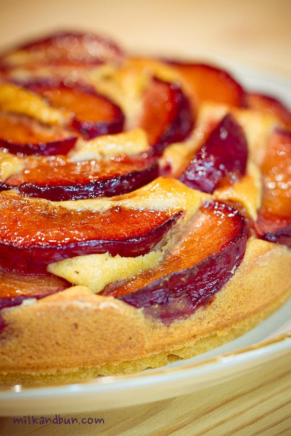 Plum cake (with mascarpone and cognac)