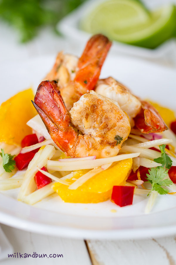 Scampi with fennel-orange salad
