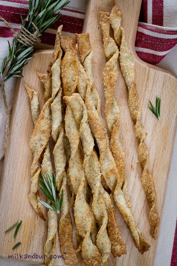 Crackers Twists