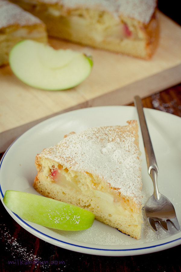 Sharlotka- Russian apple cake