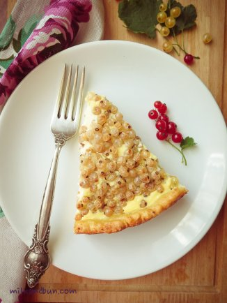 White currant tart