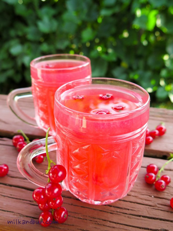 Russian red currant kisel (drink)