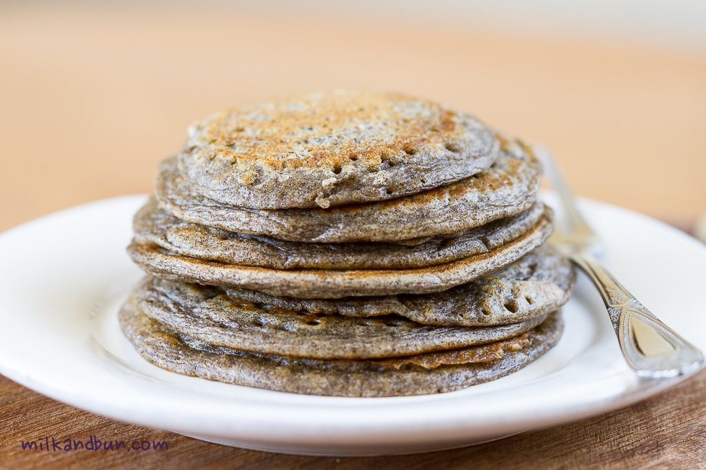 Buckwheat pancakes with pike caviar | milkandbun