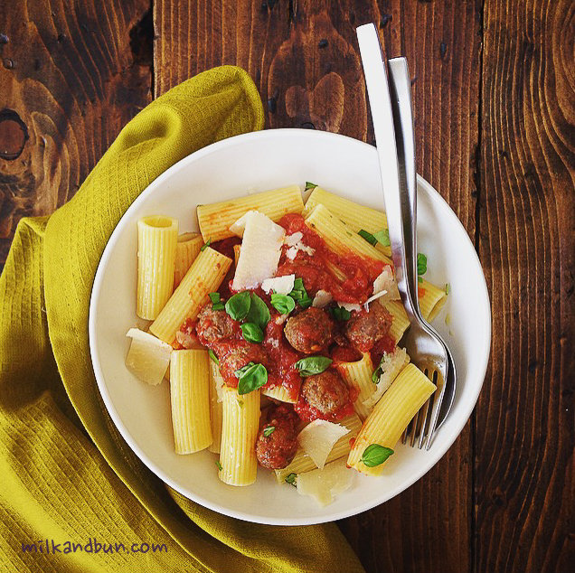 Rigatoni with mini meatballs