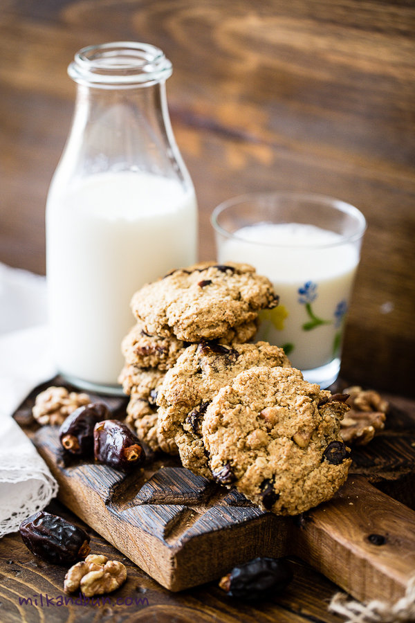 Oatmeal cookies with dates-1