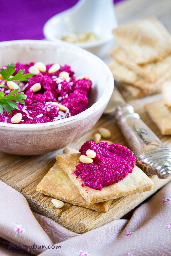 Beetroot dip with coriander crackers