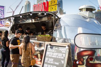 Eattheworld-Dubai trucks
