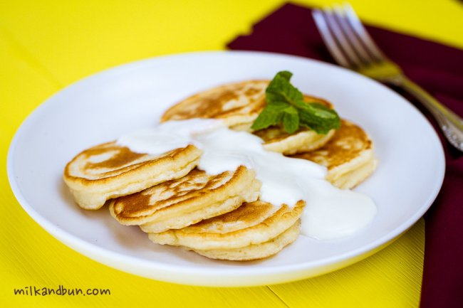 Oladushki with sour cream